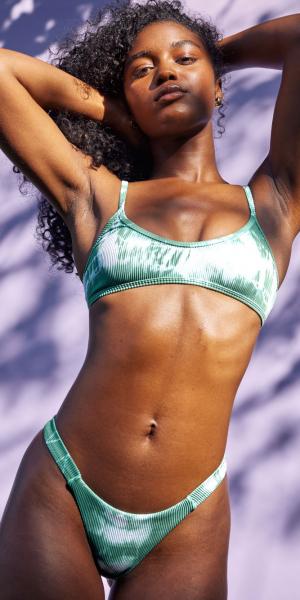 Effortless Tie Dye Bikini Top – Emerald